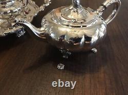 Vintage Oneida Heirloom Melon Tea Set